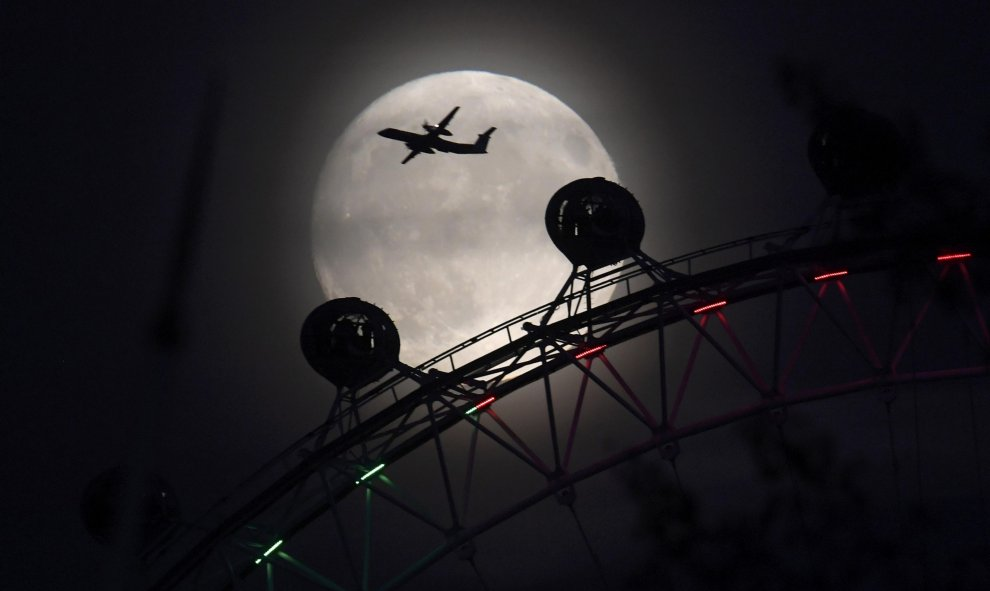 Vistas desde el 'London Eye' de la superluna / REUTERS