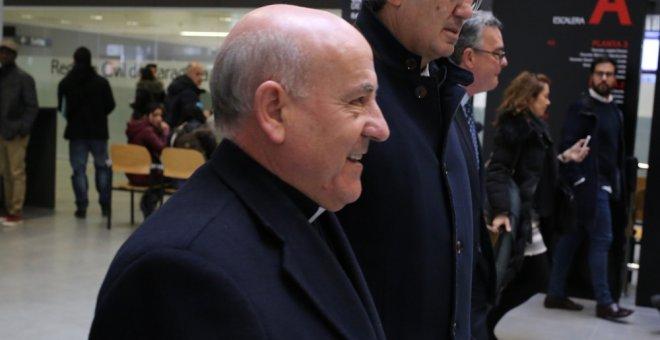 El arzobispo de Zaragoza, Vicente Jiménez, declaró este viernes como investigado ante el Juzgado de Instrucción número 11 de la capital aragonesa.