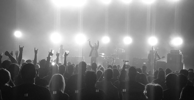 Imágen del último concierto de Chris Cronell antes de su muerte./Twitter @bchesnutt