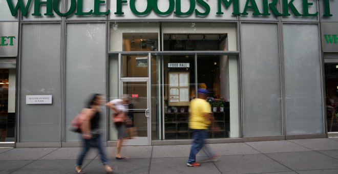 Una tiende de la cadena de supermercados Whole Foods  en Manhattan. REUTERS/Carlo Allegri