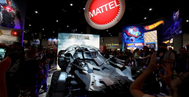 El logo de Mattel en su stand en la Comic Con International en  San Diego (California, EEUU). REUTERS/Mike Blake
