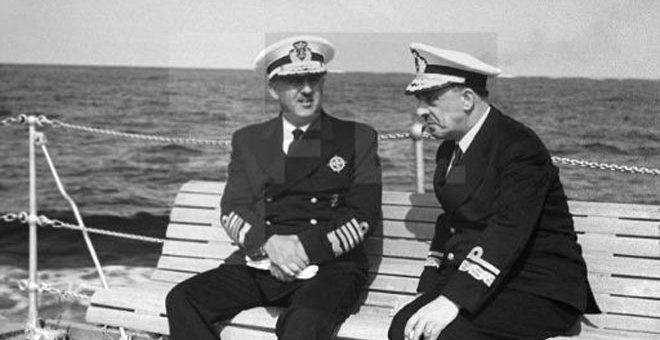 Salvador Moreno, a la derecha de la imagen, junto a Franco en una imagen de los años 50.