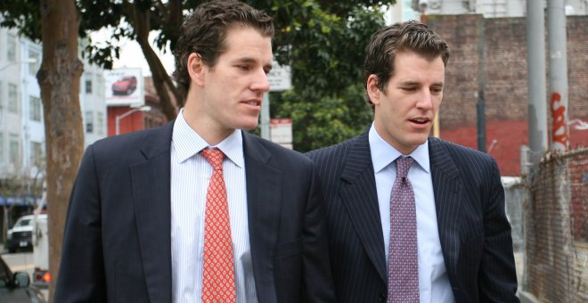 Los hermanos Tyler and Cameron Winklevoss. REUTERS
