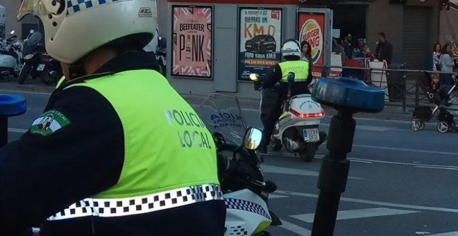 Policía Local de Málaga en una motocicleta. EUROPA PRESS
