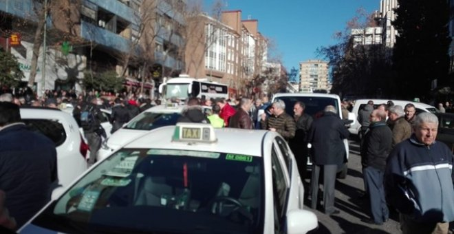 09/01/2019 .- Concentración de taxistas contra las VTC. EUROPA PRESS