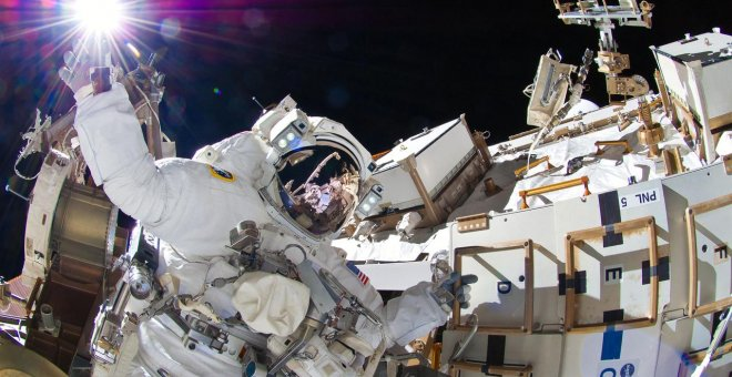 : La astronauta Sunita Williams en un paseo espacial en 2012. - NASA