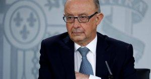 El ministro de Hacienda y Función Pública, Cristóbal Montoro, durante la rueda de prensa en la que ha presentado los Presupuestos Generales del Estado.EFE/ J.J.Guillen