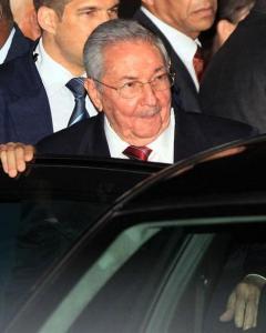 Raúl Castro a su llegada a Panamá para asistir a la Cumbre de las Américas. - EFE