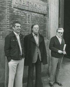 De izquierda a derecha Jesús Mancho (UGT),  Nicolás Sartorius (CCOO) y Manuel Zaguirre (USO) en 1977.