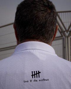 Detalle de la camiseta reivindicativa de uno de 'Los Ocho de Airbus'.- JAIRO VARGAS