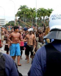 Protesta de comunidades indígenas en Brasilia para reivindicar sus derechos. EVARISTO SA (AFP)