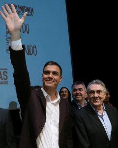 El candidato a la Secretaría General del PSOE, Pedro Sánchez, presenta en el Círculo de Bellas Artes de Madrid el documento de su candidatura. EFE/Chema Moya