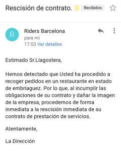 Correo electrónico donde Deliveroo anuncia a un trabajador su despido./Twitter de Ridersxderechos