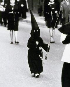 Niño nazareno, 1969. Autor: Peter Witte, fondo: memoriademadrid.es. Cedida por el autor para este reportaje.