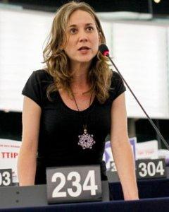 Marina Albiol durante una de sus intervenciones en el Parlamento Europeo. - IZQUIERDA UNIDA