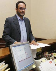 El portavoz del Grupo Socialista, Antonio Hernando, ha registrado en el Congreso una petición para crear una comisión de investigación sobre la financiación ilegal del PP. EFE/Ballesteros