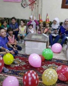 Una fiesta infantil en uno de los refugios subterráneos. - Fotografía cedida por Afraa Hashem