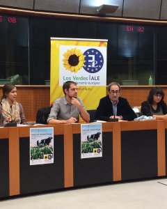 Un momento de la conferencia 'Consumo de carne y cambio climático: un debate ineludible'. TWITTER /Equo Animales