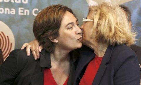 Ada Colau y Manuela Carmena. EFE