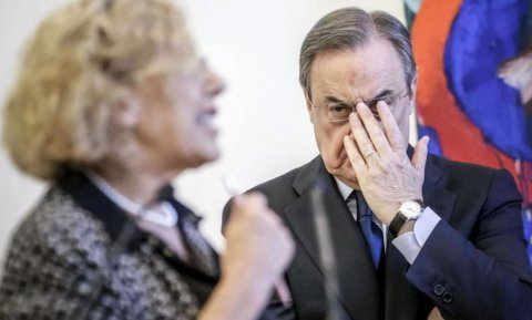 La alcaldesa de Madrid, Manuela Carmena, junto al presidente del Real Madrid, Florentino Pérez, en una imagen de archivo. EFE