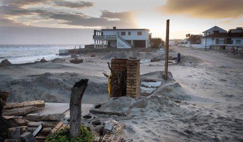 Temporal en la costa de Huelva que dejó cuantiosos destrozos en La Antilla, Lepe, en la provincia de Huelva, en marzo de 2018. PEDRO ARMESTRE