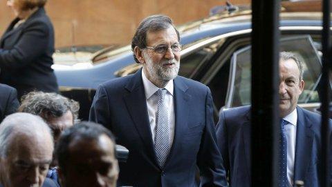 El presidente del Gobierno, Mariano Rajoy, a su llegada al Casino de Madrid para participar en el Foro ABC. EFE/Paco Campos