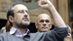 El cabeza de lista de Junts pel Si, Raül Romeva, y el lider de la CUP, Antonio Baños, Una las puertas del Tribunal Superior de Justicia de Catalunya.  / EFE