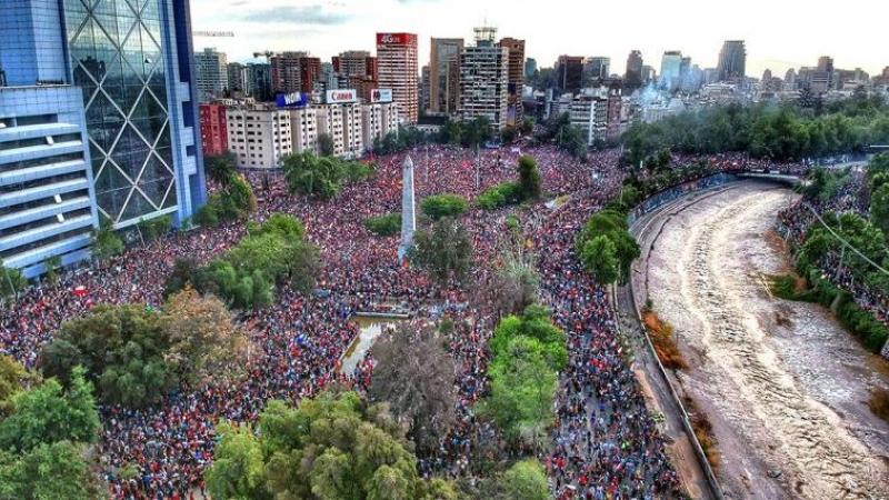 Marcha multitudinaria en Chile.