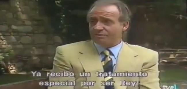 """""""El emérito riéndose de todos"""": las carcajadas de Juan Carlos I cuando se le preguntaba si paga impuestos"""