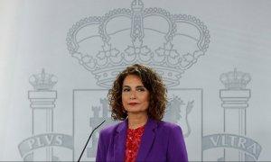 La ministra de Hacienda y portavoz del Gobierno, María Jesús Montero, durante la rueda de prensa posterior a la reunión semanal del Consejo de Ministros. EFE/ J.J. Guillén
