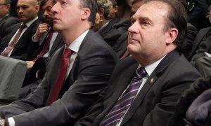 El comisario José Luis Olivera (der.) y Francisco Martínez, secretario de Estado de Interior con el ministro Fernández Díaz, en el acto de nombramiento del primero al frente del CITCO.