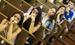 Titulados pobres: la crisis diluye el blindaje de la universidad