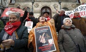 Urkullu tensa la cuerda con pensionistas y sindicatos en vísperas de la huelga