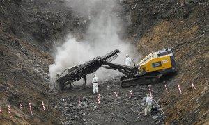 27/02/2020.- Vista general de la búsqueda de los dos trabajadores desaparecidos en el desprendimiento del vertedero de Zaldibar (Bizkaia). / EFE - MIGUEL TOÑA