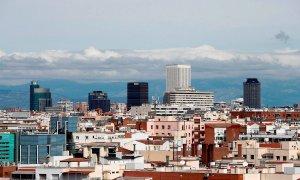 Vista de un cielo prácticamente limpio de contaminación de la ciudad de Madrid el pasado mes de abril./ Javier López (EFE/Archivo)