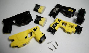 Dispositivos taser. Foto Nidec Defense Group