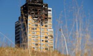 Incendio de un edificio en el barrio de Hortaleza de Madrid. / EFE