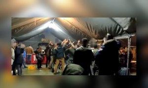 Soldados realizan el saludo nazi en Paracuellos del Jarama
