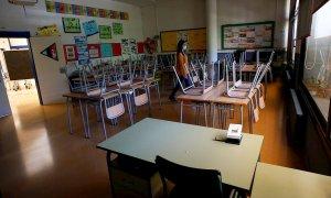 Vista de un aula vacía de la Escola l'Estel de Barcelona.