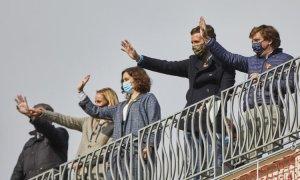 De izquierda a derecha, la senadora del PP Ana Camins, la presidenta de la Comunidad de Madrid, Isabel Díaz Ayuso, el presidente del PP, Pablo Casado, y el alcalde de Madrid y portavoz nacional del partido, José Luis Martínez-Almeida.