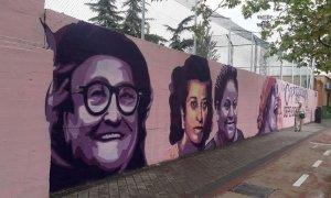 """""""Hay más dignidad en ese mural que en todo el Gobierno de Madrid"""": Twitter se llena de críticas por la retirada del mural feminista de Ciudad Lineal"""