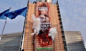 Acción de Greenpeace en septiembre de 2020 en Bruselas en protesta contra el acuerdo de la UE con Mercosur.