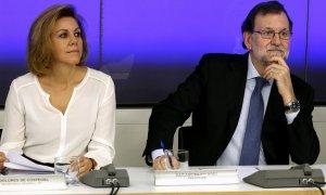 María Dolores de Cospedal, exsecretaria general del PP y exministra de Defensa, junto con Mariano Rajoy, durante una reunión de la Ejecutiva del PP, en 2016.
