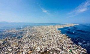 Acumulación de residuos plásticos en el Pacífico.