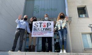 Vecinos y colectivos muestran su rechazo al bullying con un mensaje de tolerancia cero a través de redes sociales