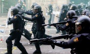 El uso policial de pelotas de goma ha provocado la pérdida de 11 ojos, un fallecido y 14 muertes de manera indirecta