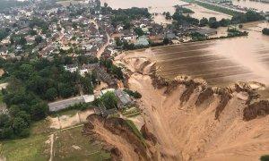 Fotografía aérea de los destrozos en la región alemana de  Erftstadt-Blessem.