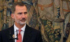 Sobre el tapete - ¿Manipulando encuestas de opinión para salvar la Monarquía?