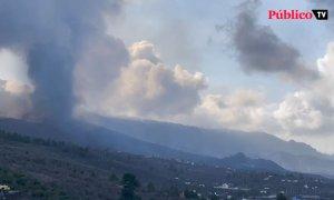 Así se ve la columna de cenizas desde Tajuya, en La Palma