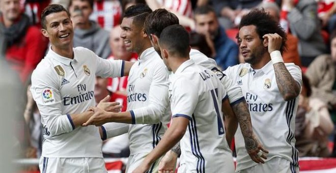 El Real Madrid vence 1-2 al Athletic Club y mete presión al Barcelona